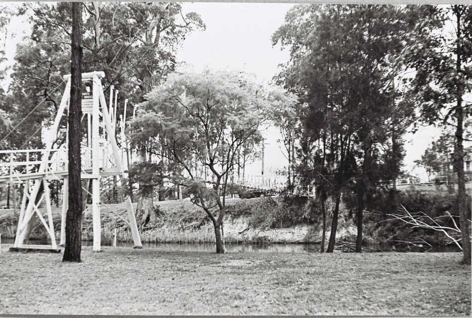 Suspension bridge, Cooranbong