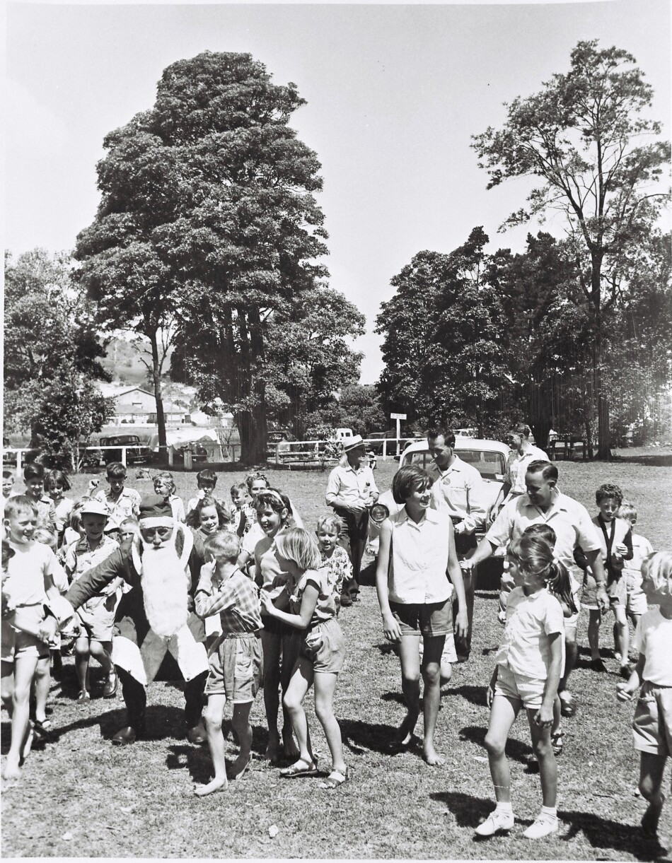 Christmas picnic, Speers Point Park. Possibly Hamilton RSL children's picnic. c.1957