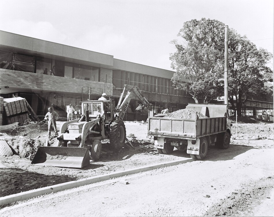 Building the new Council Chambers