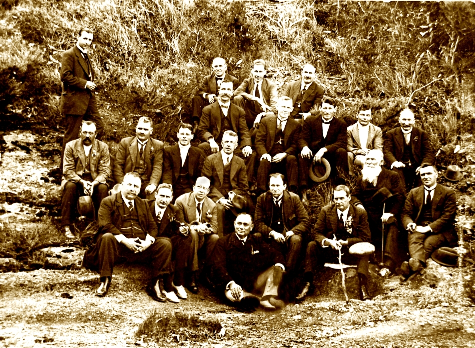 Australasian Society of Patriots, Pulbah Island (Dalley Branch), 1918. Second row far left J. J. Moloney. Second row third from left H. M. Cohen. Third row, third from left David Watkins MHR. Third row second from right (with beard) George Cohen