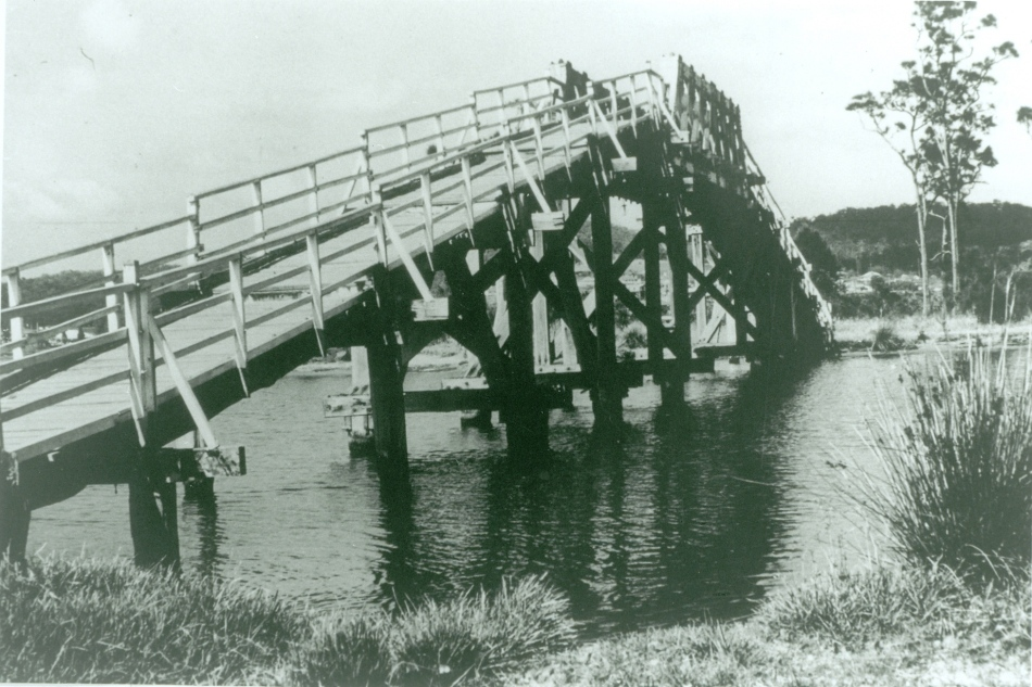 Five Islands Bridge, Cockle Creek entrance