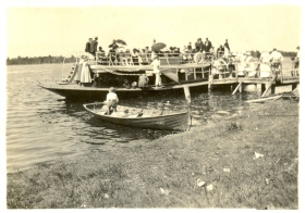 photo: ferry at wangi 1925