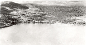 photo: early aerial photograph of warners bay with munibung hill to the left